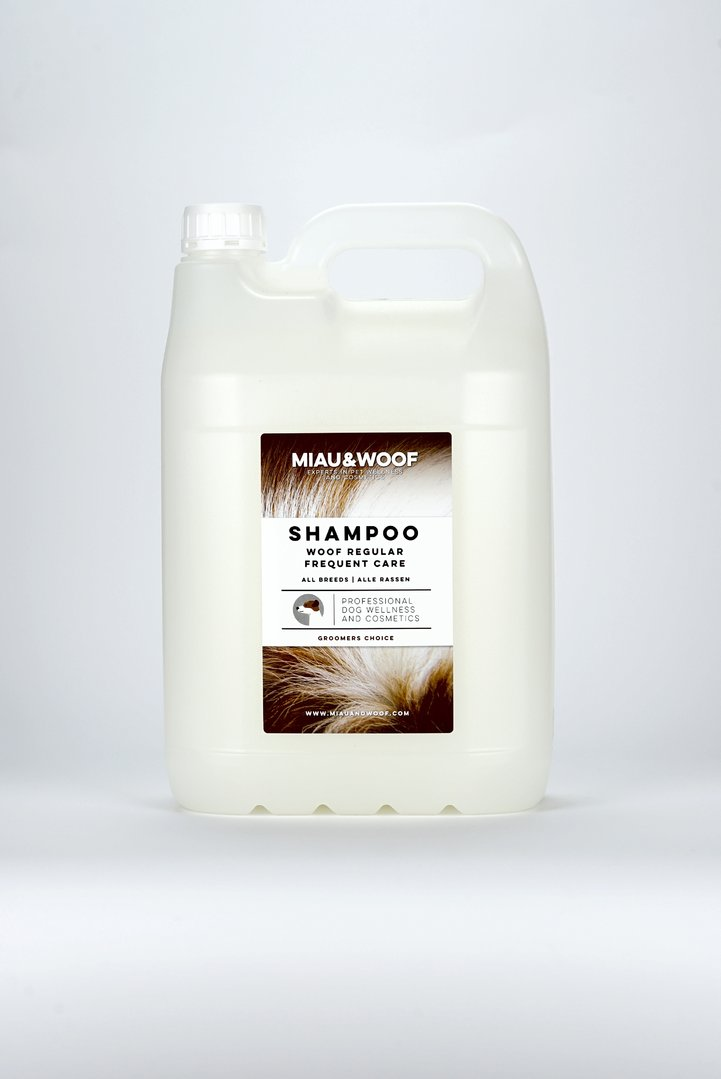 SHAMPOO WOOF REGULAR FREQUENT CARE Kanister